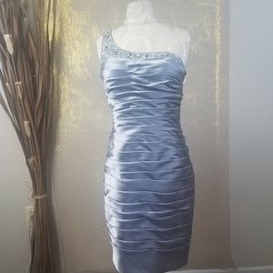 Adrianna Papell Collection Silver Dress Size: 8